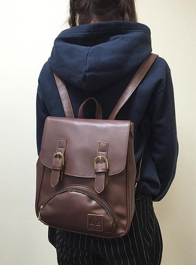 backpack_cha.jpg